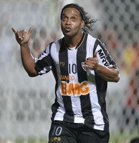 Ronaldinho'dan mesaj var
