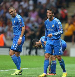Ronaldo topu götürdü!