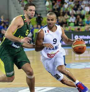 Finalde Litvanya'yı 80-66 yenen Fransa tarihinde ilk kez Avrupa şampiyonu oldu.
