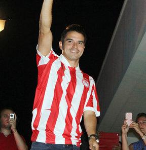 Olympiakos, Malaga'nın sözleşmesi sona eren Arjantinli forveti Javier Saviola'yı kadrosuna kattı