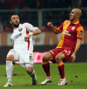 Beşiktaş'ın yeniden kadrosuna katmak istediği Serdar Kurtuluş'un transferinde beklenmedik bir gelişme yaşandı.