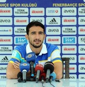Fenerbahçe'nin milli futbolcusu Mehmet Topal, Trabzonspor ile yapacakları maçı kazanarak, galibiyet serilerini sürdürmek istediklerini söyledi