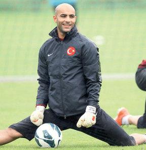 Kaleci arayışlarını sürdüren Kayserispor, Belçika'nın Standard Liege takımında oynayan Sinan Bolat transferinde sona yaklaştı.