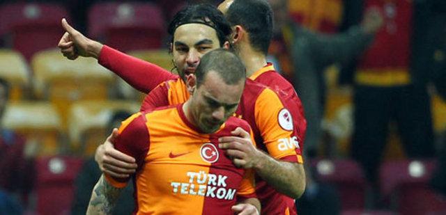Sneijder'den F.Bahçe'ye küfür!