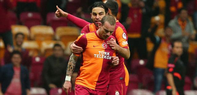 Sneijder'den şok hareket