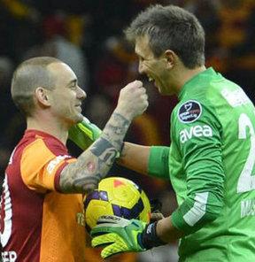 Sneijder ve Muslera açıklaması