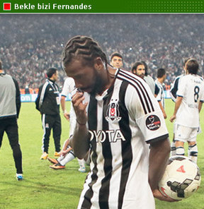 Beşiktaş, Portekizli yıldızın  sözleşme uzatma görüşmelerini ilk yarı sonuna erteledi