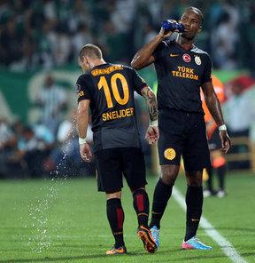 Galatasaray Antrenörü Taffarel'den, oyundan çıkarken tepki gösteren Drogba açıklaması...