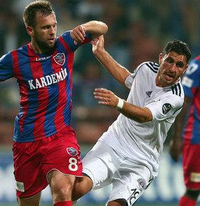 Kasımpaşa'nın başarılı orta saha oyuncusu Özer Hurmacı, Karabük yenilgisi ve gelecek maçlara dair açıklamalarda bulundu