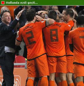 2014 Dünya Kupası Elemeleri'nde Türkiye'nin bulunduğu D Grubu'nda liderliğini garantileyen Hollanda evinde Macaristan'ı 7-1 yendi.