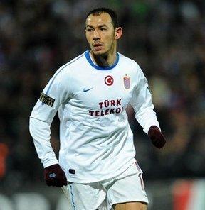 Trabzonspor'da sportif direktör Ünal Karaman'ın, Galatasaray'da kiralık oynayan Umut Bulut'u yeniden takıma kazandırmak istediği bildirildi.