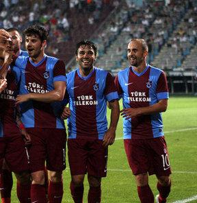 UEFA Avrupa Ligi 2. Ön Eleme Turu'nda yarın Derry City takımıyla rövanşa çıkacak olan Trabzonspor, 22 sezon sonra eşleştiği İrlanda takımı karşısında turu geçmeyi hedefliyor