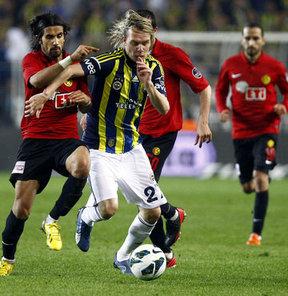 Sunderland, transferde rotayı Fenerbahçe'nin Sırp kanat oyuncusu Milos Krasic'e çevirdi.