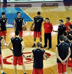 Erdemir Spor Kulübü'nün yapılan olağan kongresinde Erkek Basketbol Takımı'nın Beko Basketbol Ligi'nden çekilmesi kararı alındı