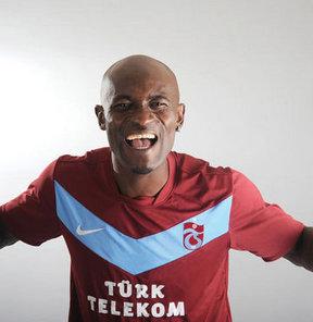 Trabzonspor'un başarılı oyuncusu Didier Zokora alacaklarının tahsili için FIFA'ya başvuruda bulundu