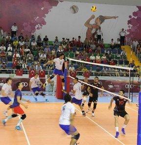 17. Akdeniz Oyunları'nda erkekler voleybol A Grubu'nda Türkiye, Fransa'ya 3-1 mağlup oldu